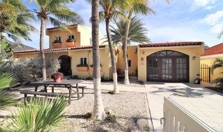 Villa Salina Cerca + Apartments